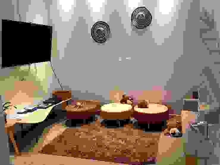 Área de esparcimiento Salas multimedia de estilo ecléctico de CHIMI Ecléctico