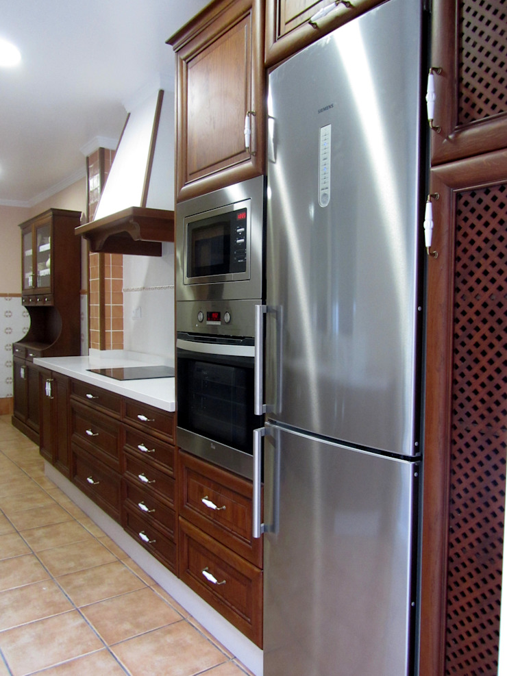 MUDEYBA S.L. KitchenCabinets & shelves Solid Wood Brown