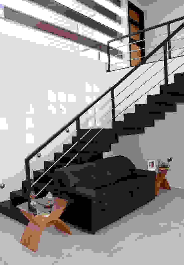 Casa J+S ARQUIMIA ARQUITECTOS Pasillos, vestíbulos y escaleras modernos de Arquimia Arquitectos Moderno