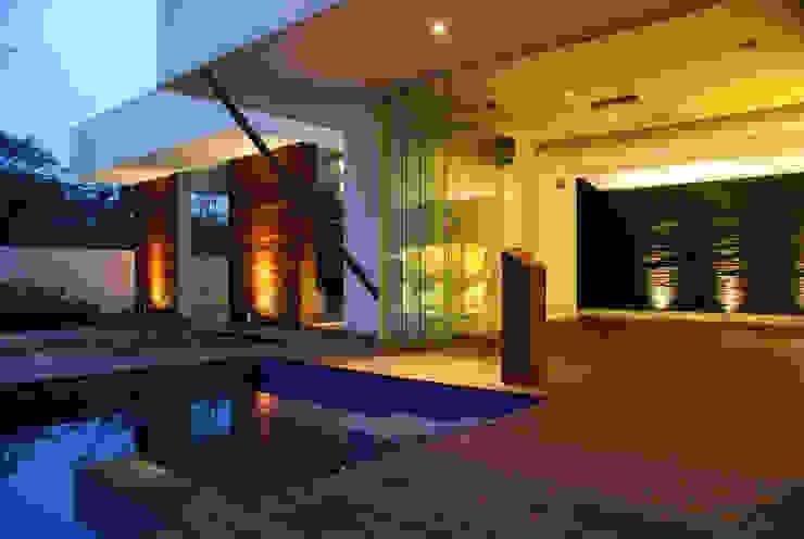 Casa la Reserva Casas modernas de BCA Arch and Interiors Moderno