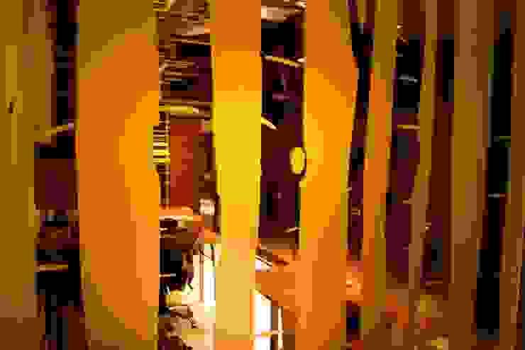 Oficinas BCA Paredes y pisos de estilo moderno de BCA Taller de Diseño Moderno