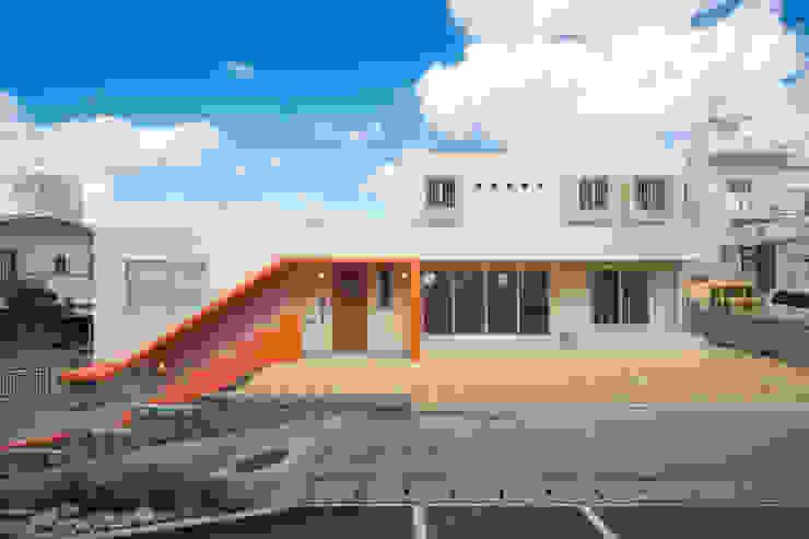 南側外観 モダンな 家 の プラソ建築設計事務所 モダン