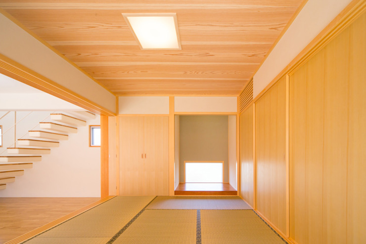 1階和室 モダンデザインの リビング の プラソ建築設計事務所 モダン