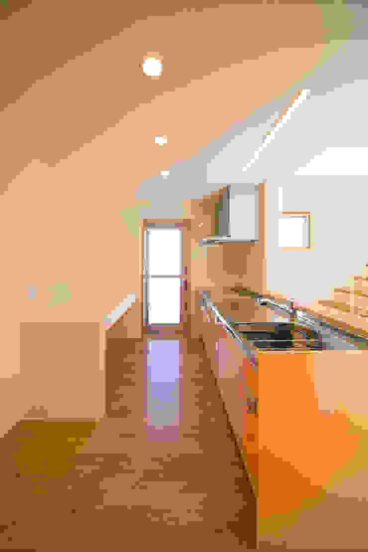 1階台所 モダンな キッチン の プラソ建築設計事務所 モダン