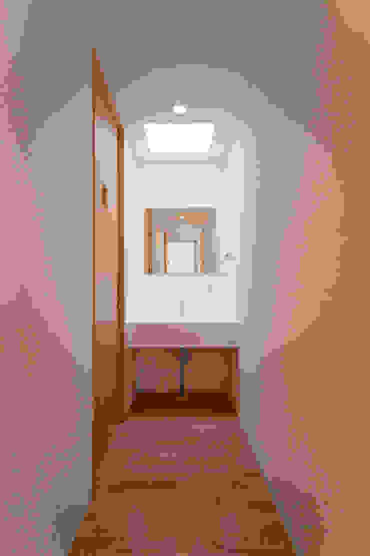 1階廊下 モダンスタイルの 玄関&廊下&階段 の プラソ建築設計事務所 モダン