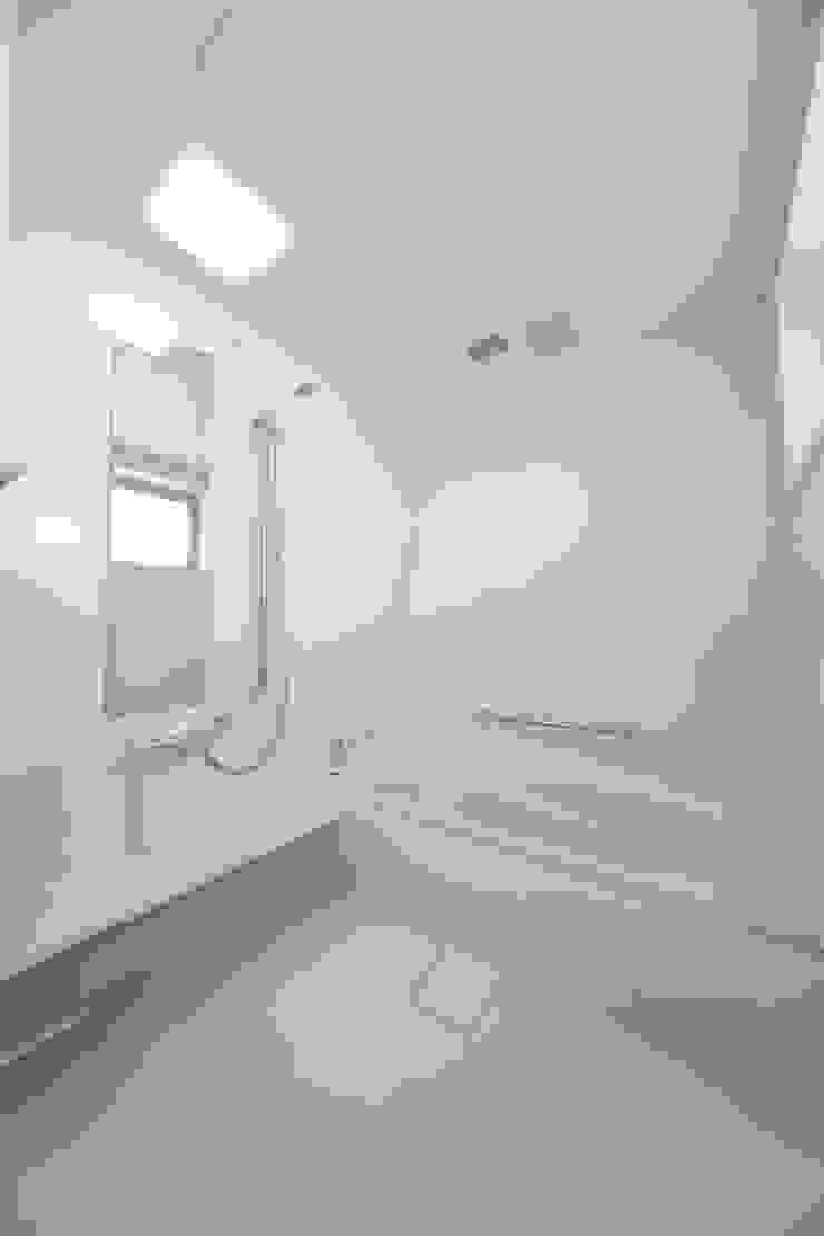 1階浴室 モダンスタイルの お風呂 の プラソ建築設計事務所 モダン