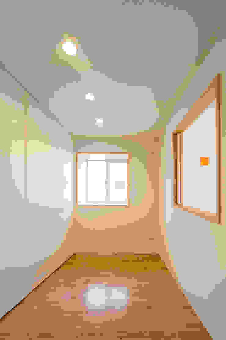 2階子供室 モダンデザインの 子供部屋 の プラソ建築設計事務所 モダン