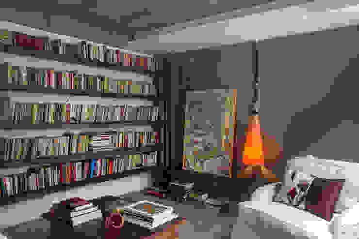 Phòng giải trí phong cách chiết trung bởi Carlos Salles Arquitetura e Interiores Chiết trung
