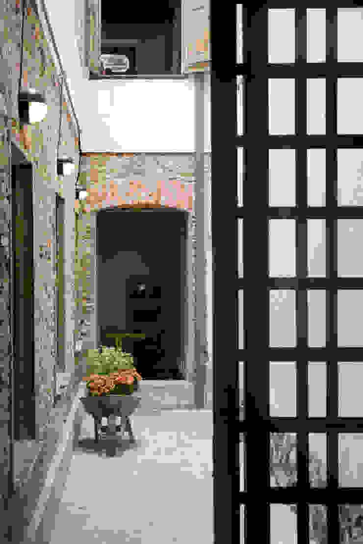 Casa / Ateliê Cênico – Lapa Jardins de inverno ecléticos por Carlos Salles Arquitetura e Interiores Eclético