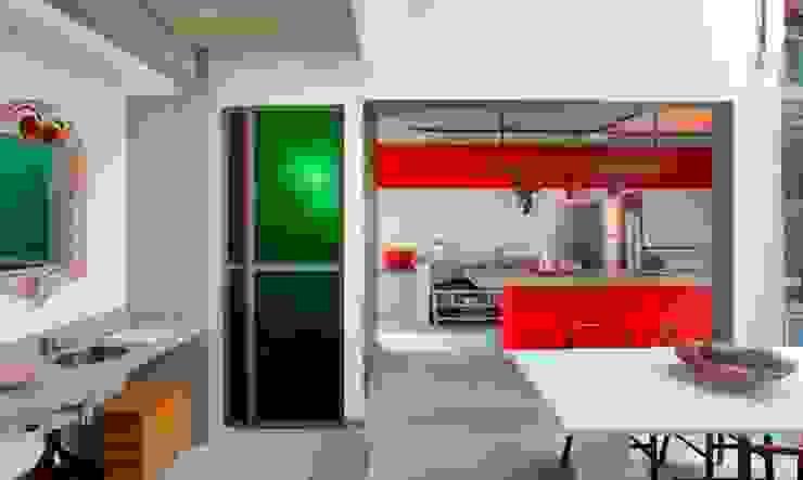 Nhà bếp phong cách chiết trung bởi Carlos Salles Arquitetura e Interiores Chiết trung