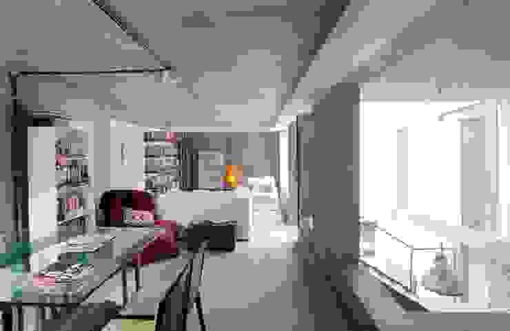 Casa / Ateliê Cênico – Lapa Salas de estar ecléticas por Carlos Salles Arquitetura e Interiores Eclético