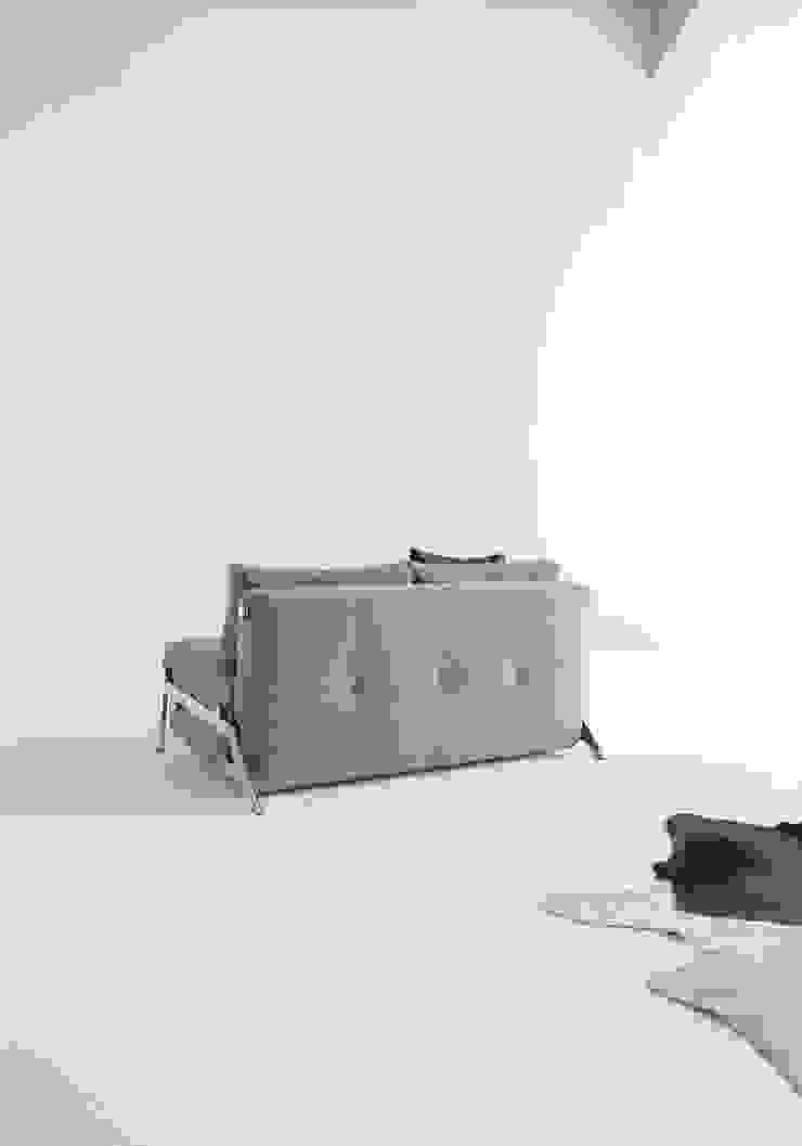 Adalılar Mobilya (İNNOVATİONLİVİNG) – CUBED 140 YATAKLI KANEPE: minimalist tarz , Minimalist Demir/Çelik