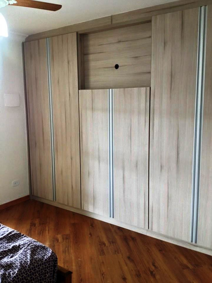 GMT marcenaria BedroomWardrobes & closets