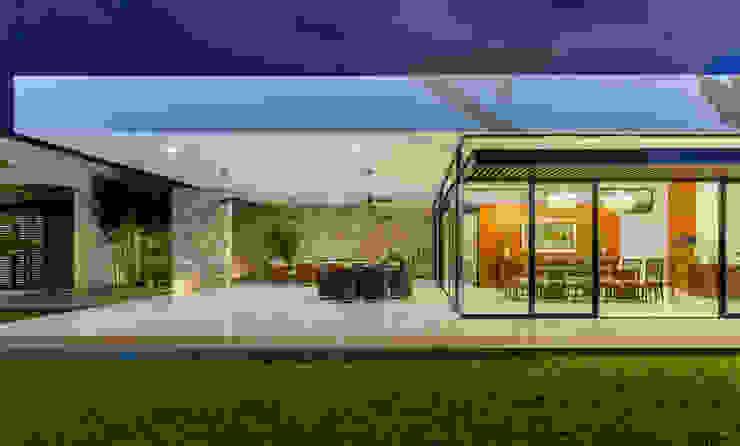 Modern Houses by P11 ARQUITECTOS Modern