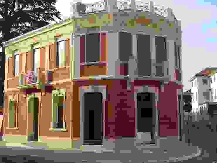 Decorazione fregio in stile Liberty Paolo Bellò Decoratore Restauratore Case in stile mediterraneo