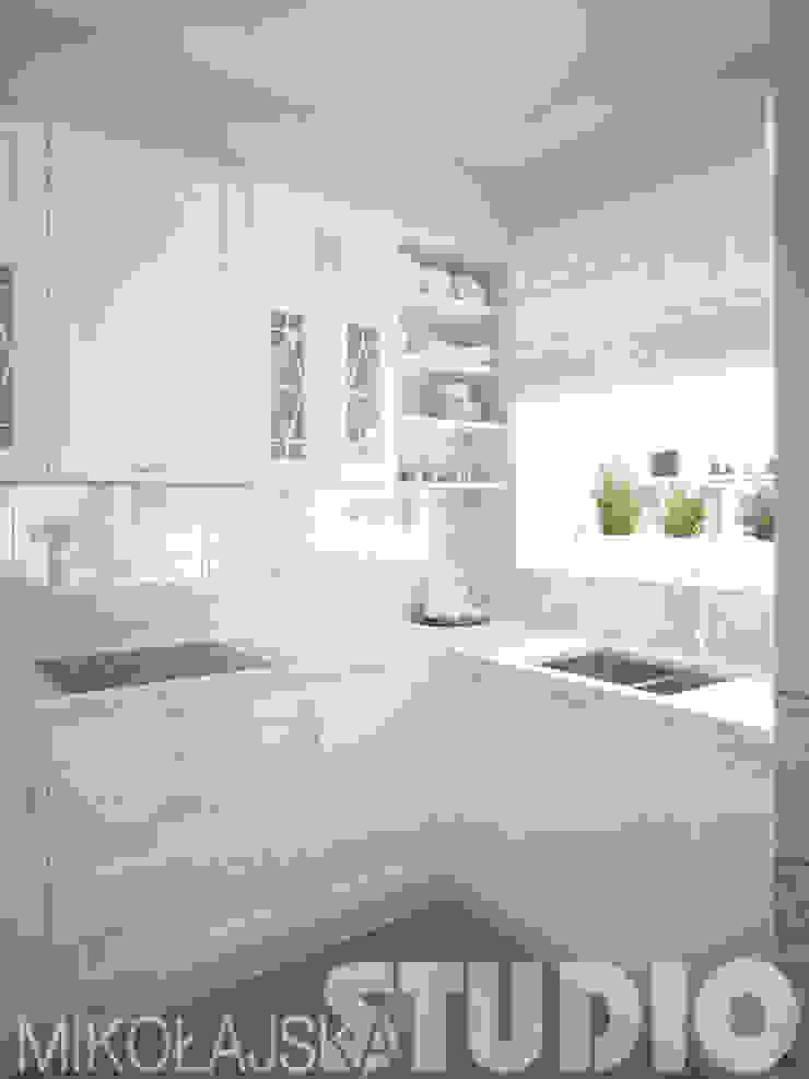 kuchnia-biały marmur-projekt od MIKOŁAJSKAstudio