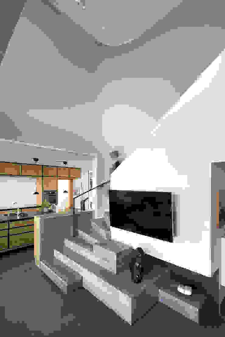Villa U Scandinavian style corridor, hallway& stairs by C.F. Møller Architects Scandinavian Tiles