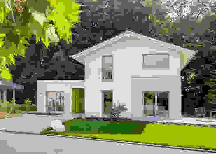 Musterhaus Bad Vilbel Дома в стиле модерн от Skapetze Lichtmacher Модерн