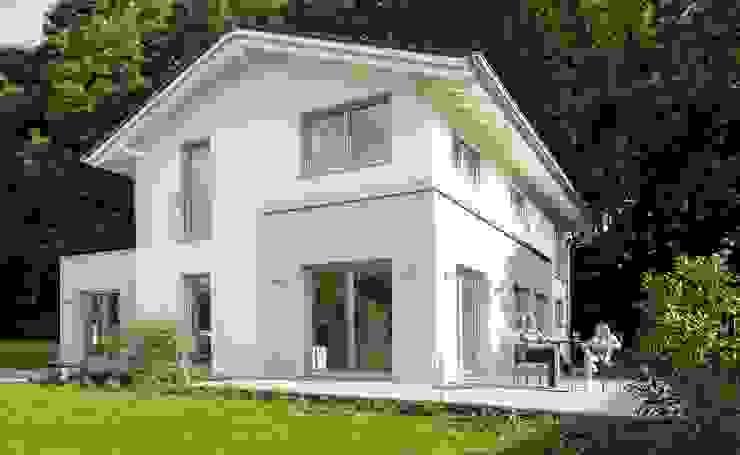 Casas de estilo  de Licht-Design Skapetze GmbH & Co. KG,