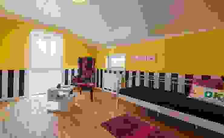 Musterhaus Falkenberg 139 Modern living room by Licht-Design Skapetze GmbH & Co. KG Modern