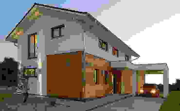 Casas  por Licht-Design Skapetze GmbH & Co. KG