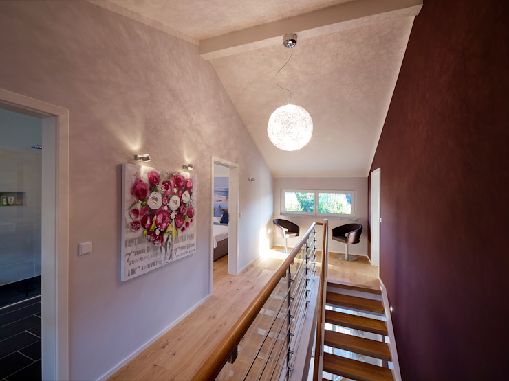 Musterhaus Mannheim 159 Modern Koridor, Hol & Merdivenler Skapetze Lichtmacher Modern