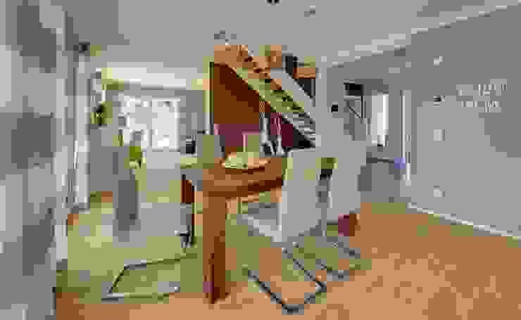 Dining room by Licht-Design Skapetze GmbH & Co. KG