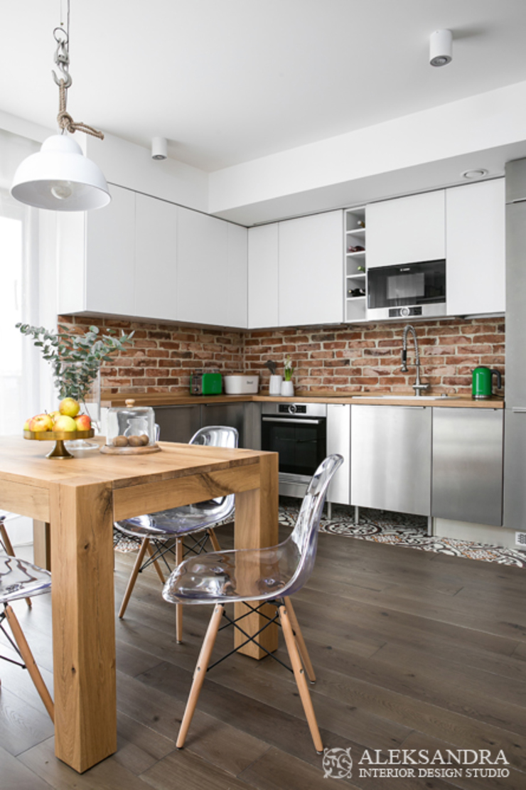 kuchnia - stal nierdzewna Eklektyczna kuchnia od ALEKSANDRA interior design studio Eklektyczny