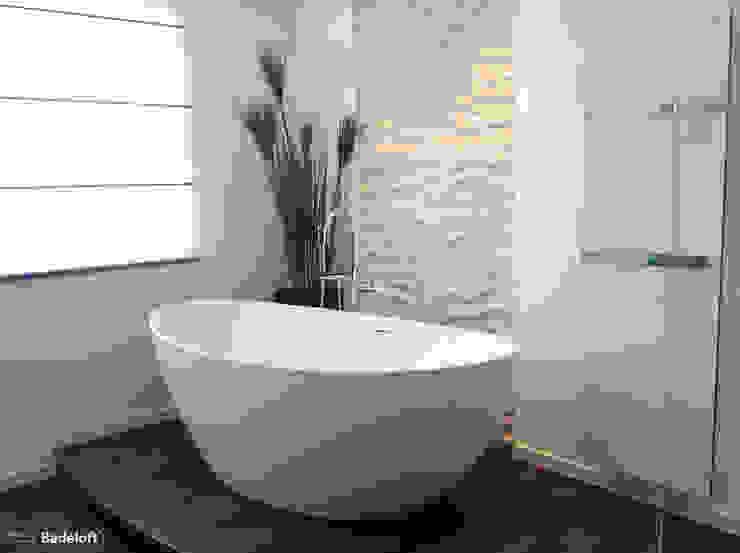 Badeloft GmbH - Hersteller von Badewannen und Waschbecken in Berlin BathroomBathtubs & showers White
