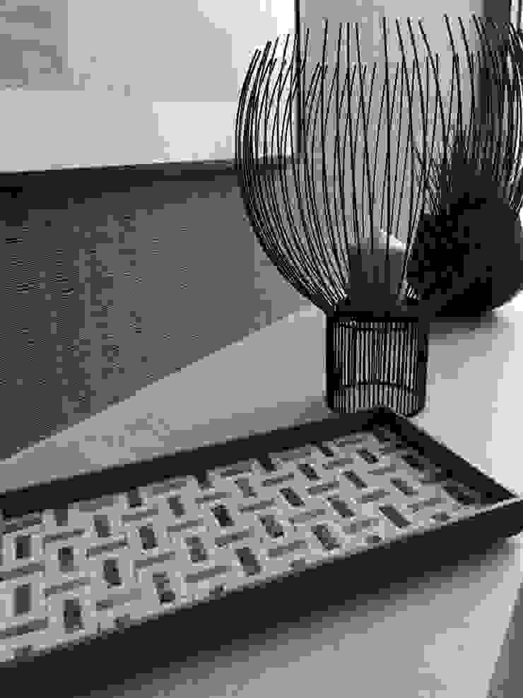 Mosaic Tray: Studio Mosaicoが手掛けた現代のです。,モダン 石
