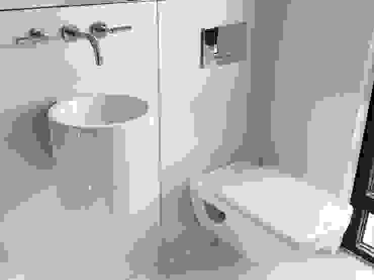 Bathroom من homify حداثي