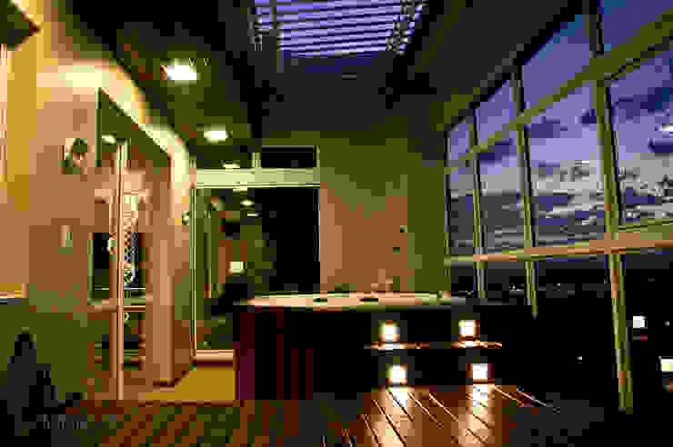 Cobertura - spa Spa moderno por NATALIA ELLWANGER ARQUITETUTA Moderno Madeira Efeito de madeira