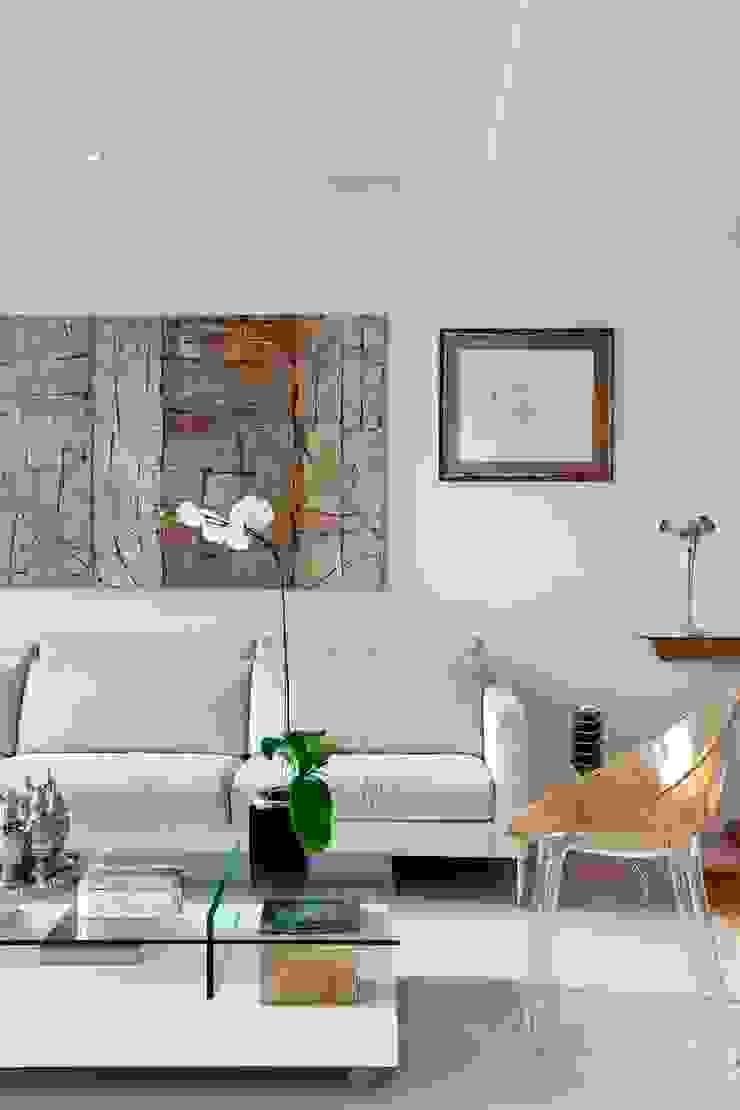 Apartamento Ipanema 2 Salas de estar modernas por Carlos Salles Arquitetura e Interiores Moderno