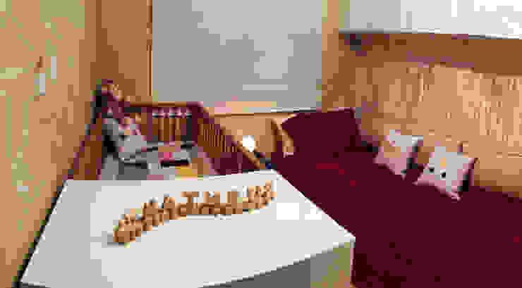Quarto de bebê – Vila Mariana Quarto infantil moderno por Estúdio Plano Moderno