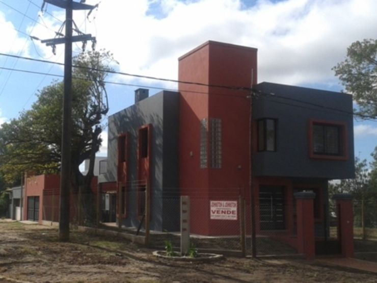 Vivienda unifamiliar Casas modernas: Ideas, imágenes y decoración de AB Arquitectura Moderno