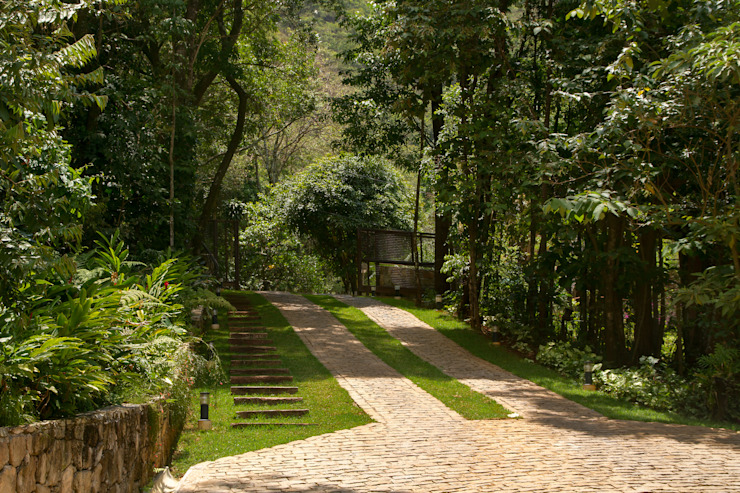 Houses by CAMILA FERREIRA ARQUITETURA E INTERIORES, Country