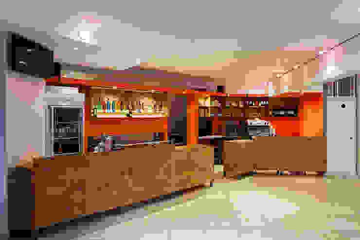 Bar La Culpa Bares y clubs de estilo moderno de AlMargen Estudio Moderno