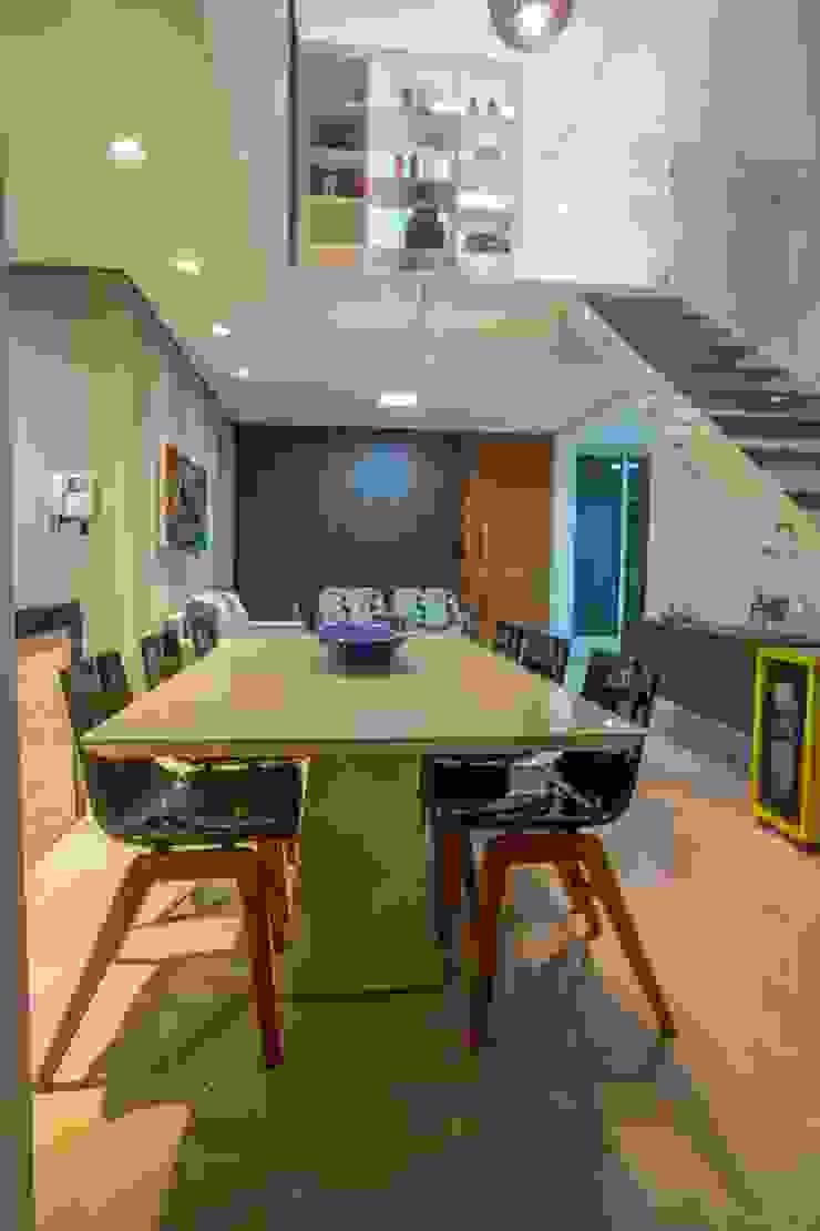 Apartamento Ferreira Salas de jantar modernas por Laura Lage Arquitetura e Design Moderno