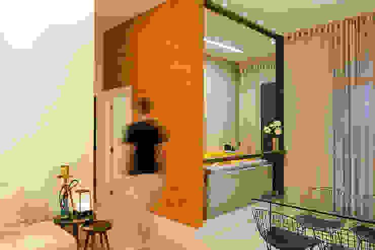 Comedores de estilo ecléctico de Miguel Arraes Arquitetura Ecléctico Ladrillos