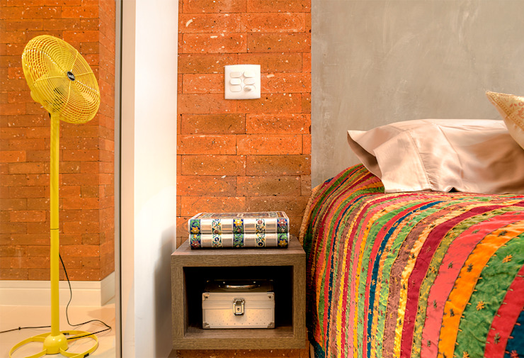 Eclectic style bedroom by Miguel Arraes Arquitetura Eclectic