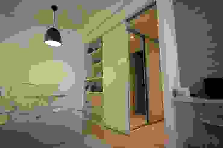Sala integrada Salas de estar modernas por Studio Santoro Arquitetura Moderno