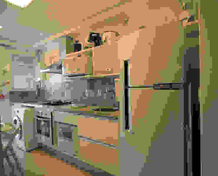 Cozinha Cozinhas modernas por Studio Santoro Arquitetura Moderno
