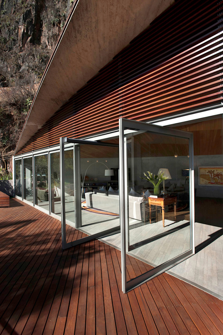 Modern Terrace by Serrano Monjaraz Arquitectos Modern
