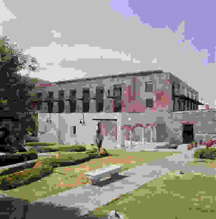 Hotel La Purificadora Casas modernas de Serrano Monjaraz Arquitectos Moderno