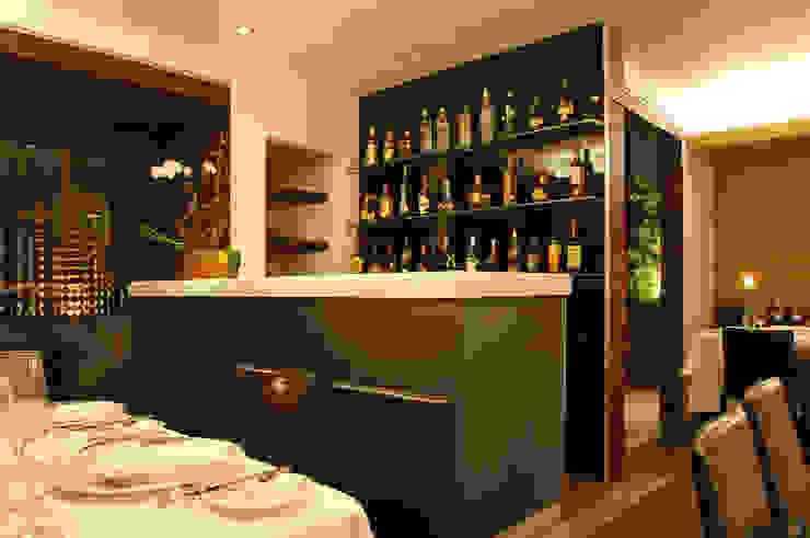 Restaurante Jaso Bodegas modernas de Serrano Monjaraz Arquitectos Moderno