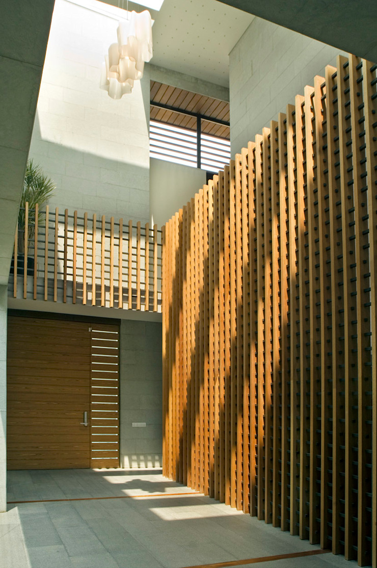 Casa LB Puertas y ventanas modernas de Serrano Monjaraz Arquitectos Moderno