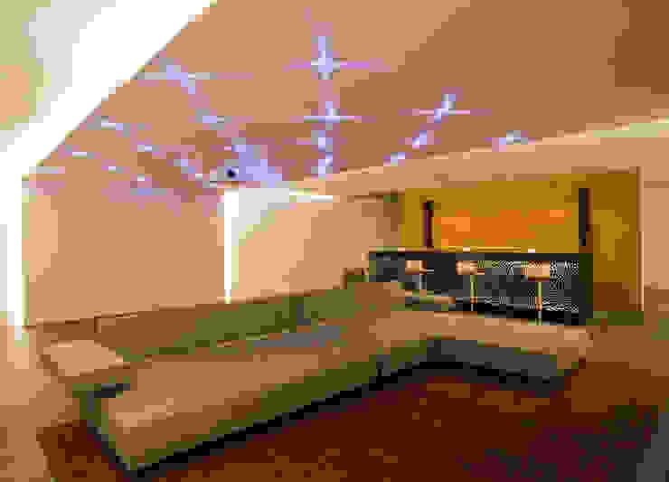 Casa LB Salas multimedia modernas de Serrano Monjaraz Arquitectos Moderno