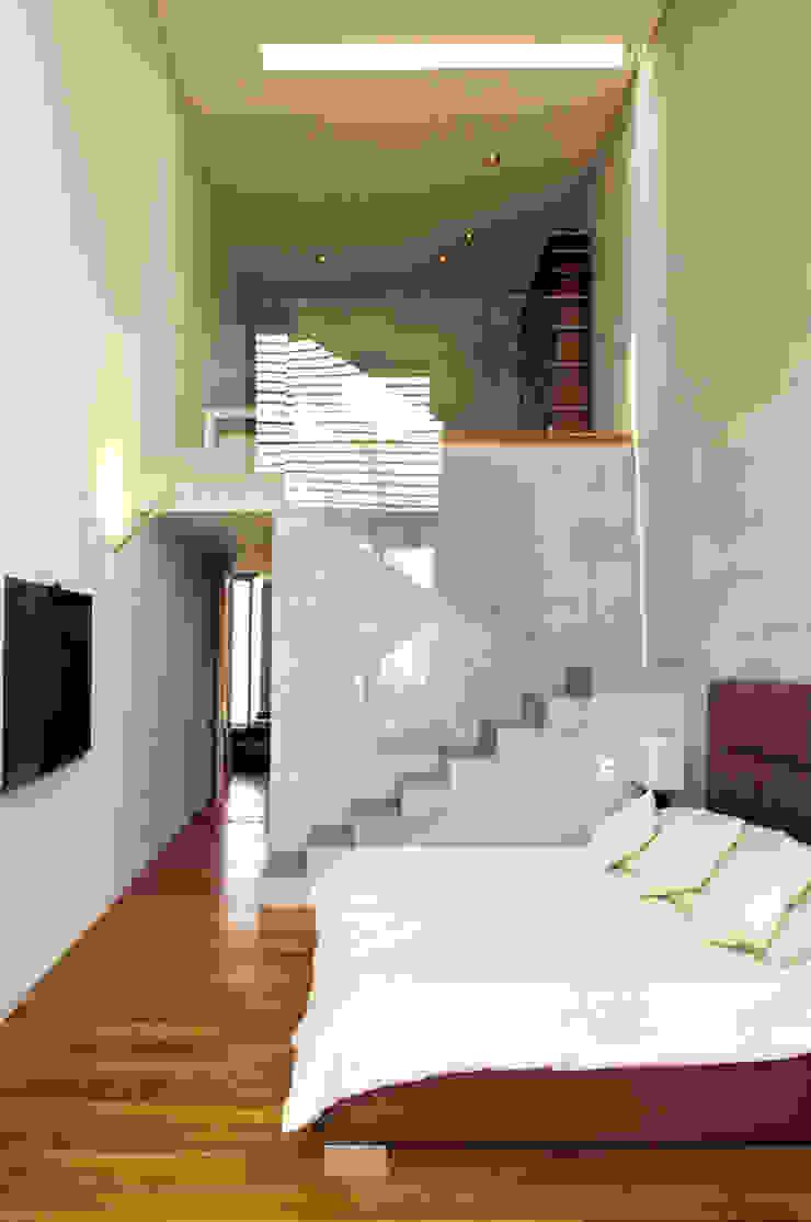 Casa LB Salones modernos de Serrano Monjaraz Arquitectos Moderno