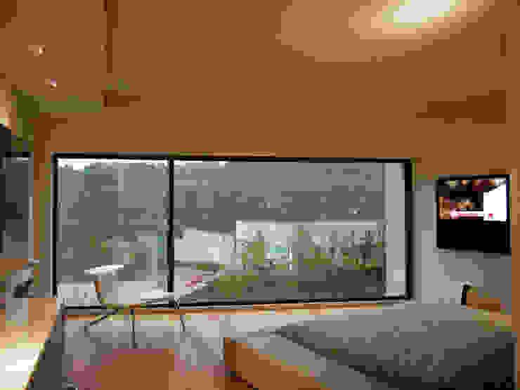 Casa Tierra Dormitorios modernos de Serrano Monjaraz Arquitectos Moderno