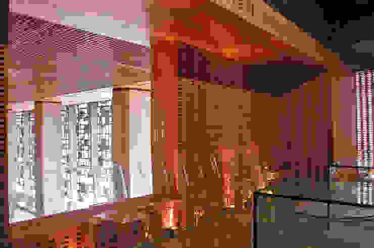 Centro de Tecnologías Telmex de Serrano Monjaraz Arquitectos Moderno